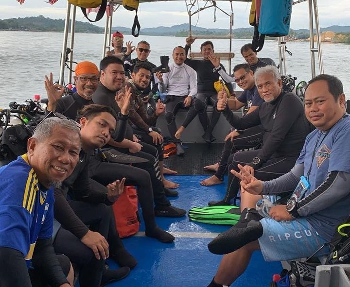 Morning Greetings From All Divers In Red Manta