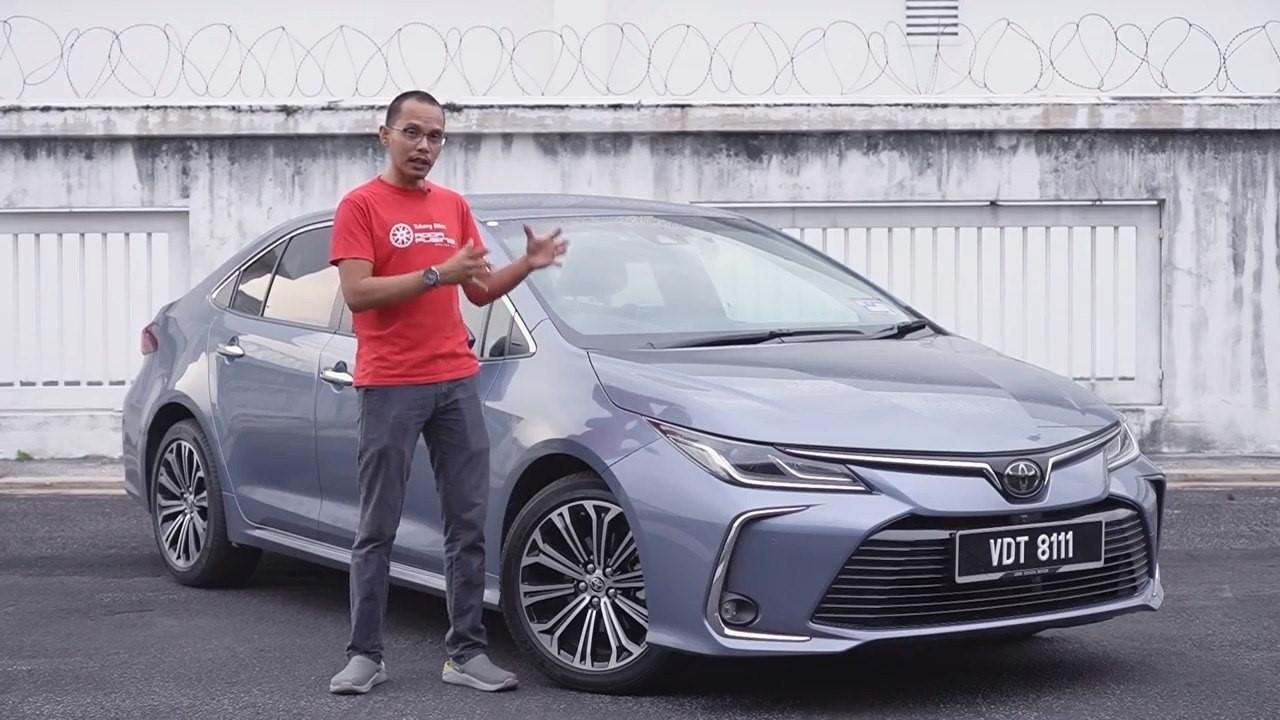 Toyota Corolla Altis 2020 Dengan Tnga Roda Pusing