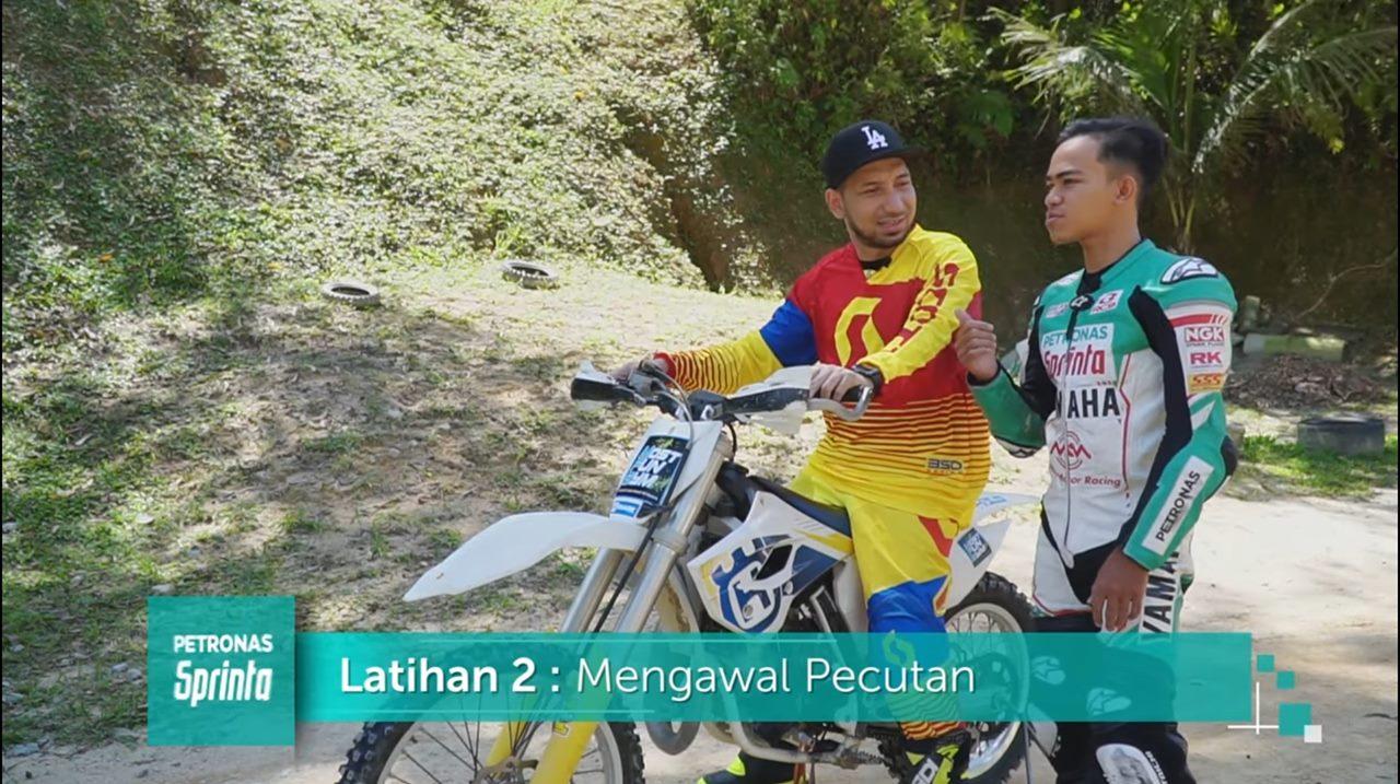 Selebriti Zizan Razak Layan Motorcross. Betul Handal Ke