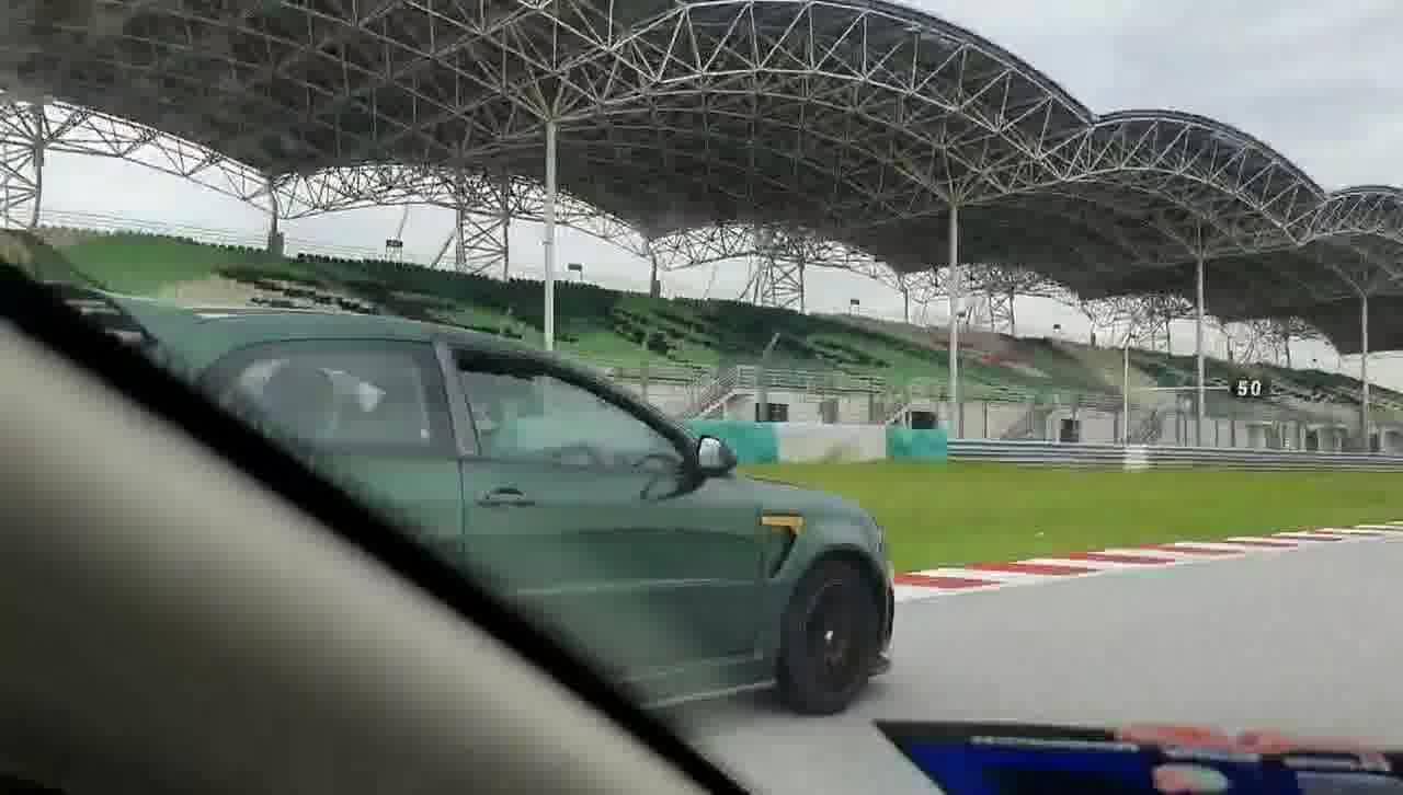 Model-model Sukan Lagenda Proton Di Litar Sepang -
